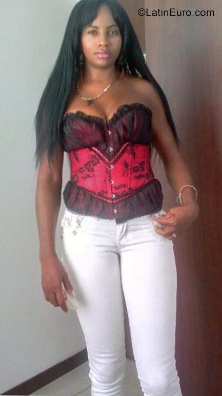 Date this lovely Colombia girl Janelli from Palmira CO20988